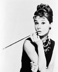 audrey-hepburn-cigarette-holder1.jpg