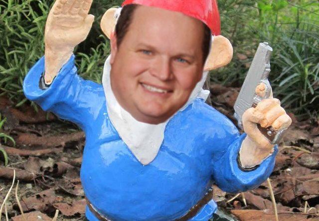 Armed-Mena-Gnome.jpg
